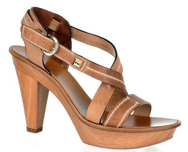 Scarpe donna nero giardini foto catalogo primavera estate 2011 ma guarda un po 39 - Nero giardini scarpe donne ...